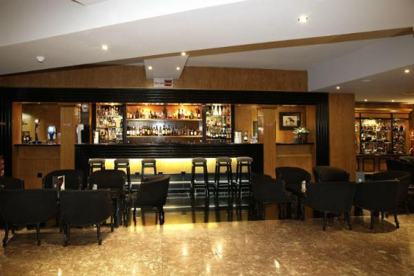 Bar im Hotel Mundial
