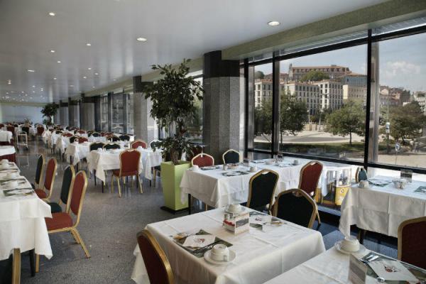 Frühstücksraum im Hotel Mundial