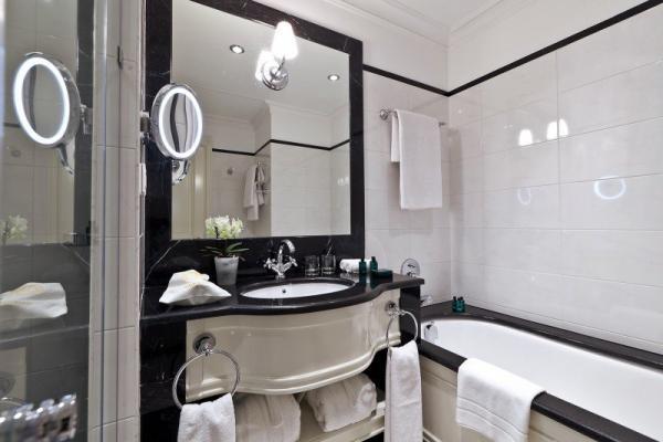 Badezimmer - Hotel Eremitage, St. Petersburg