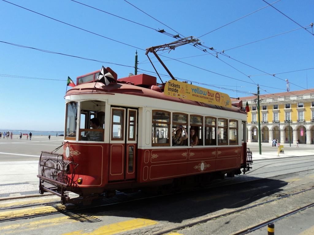 Städtetrip Lissabon: Electrico - Straßenbahn in Lissabon