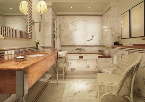 Badezimmer im Hotel Astoria