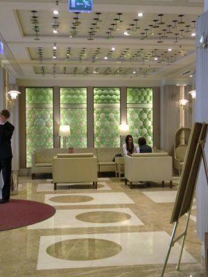 Lobby im Hotel Crowne Plaza Ligovsky St. Petersburg