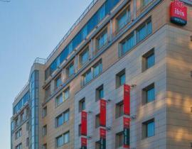 Außenansicht vom Hotel IBIS in Moskau