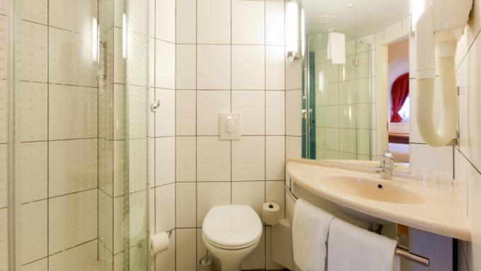 Badezimmer - Hotel IBIS, St. Petersburg