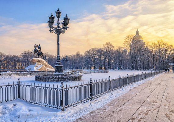 Senatsplatz und Eherner Reiter im Winter, St. Petersburg
