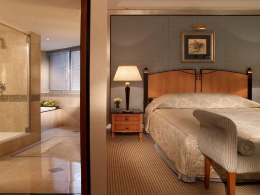 Doppelzimmer - Hotel Kempinski Corvinus