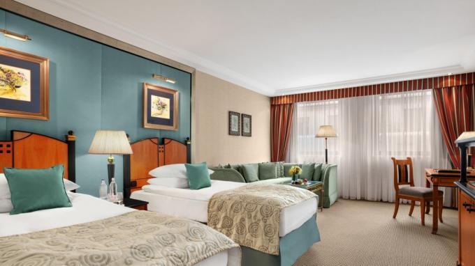 Zweibettzimmer im Kempinski Hotel Corvinus