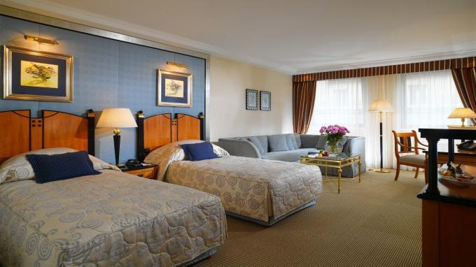 Superior Twin-Room im Kempinski Hotel Corvinus in Budapest