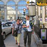 Unseren Kunden flanieren in St. Petersburg