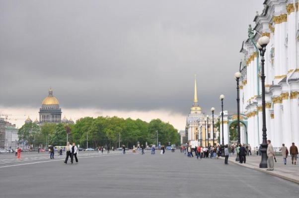 Am Schlossplatz in St. Petersburg