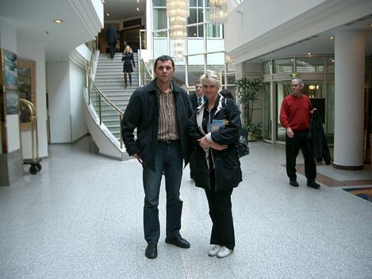 Unsere Kundin und der Vertreter von AL.EX Reiseservice in St. Petersburg
