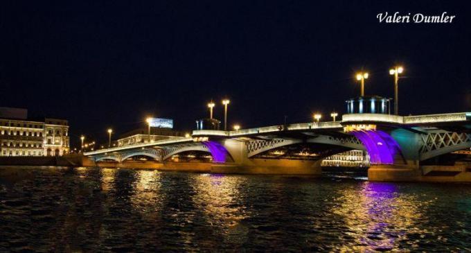 Kunden fotografieren: Die Newa in St. Petersburg