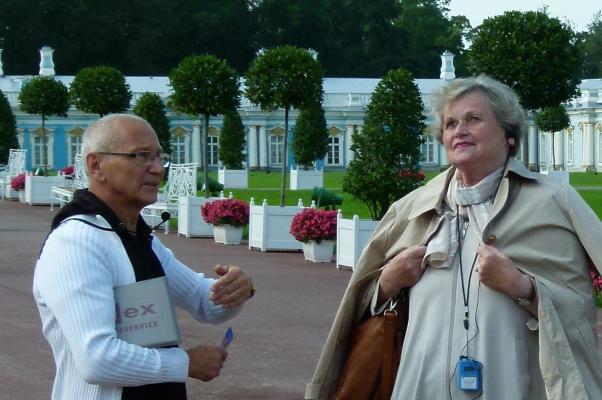 Frau Goebler in St. Petersburg - Kunden fotografieren