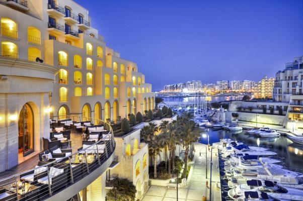 Außenansicht vom Hotel Hilton Malta