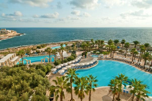 Pools im Hotel Hilton Malta
