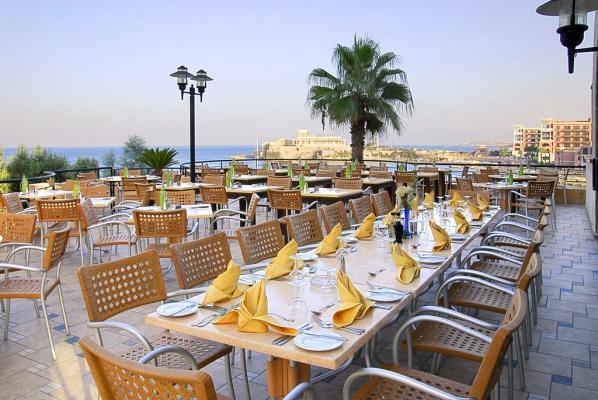 Dachterrasse vom Hotel Corinthia Marina