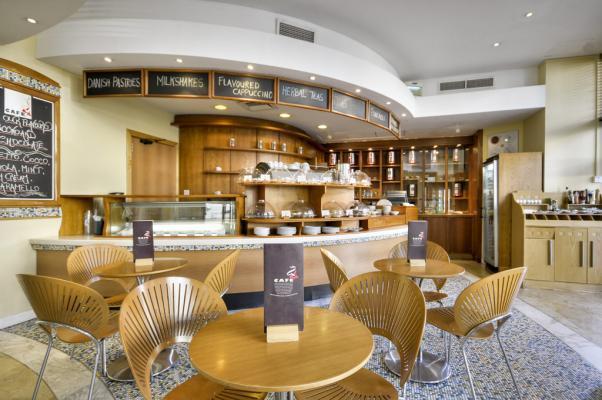 Café im Hotel Marina Corinthia
