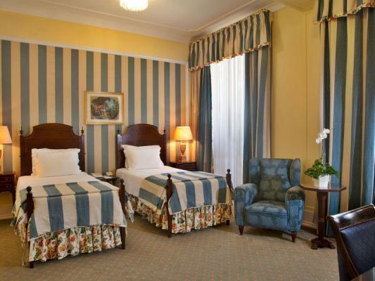 Twin-Bett-Zimmer im Hotel Avenida Palace