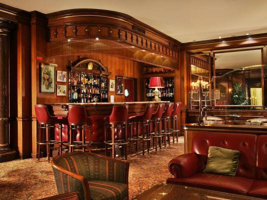 Bar im Hotel Avenida Palace