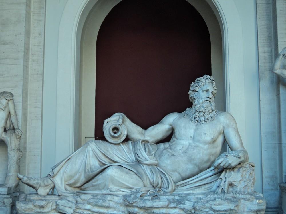 Städtereise Rom: eine Statue