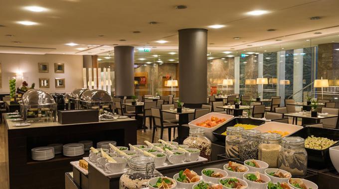 Frühstück - Hotel HF Fenix Lisboa, Lissabon
