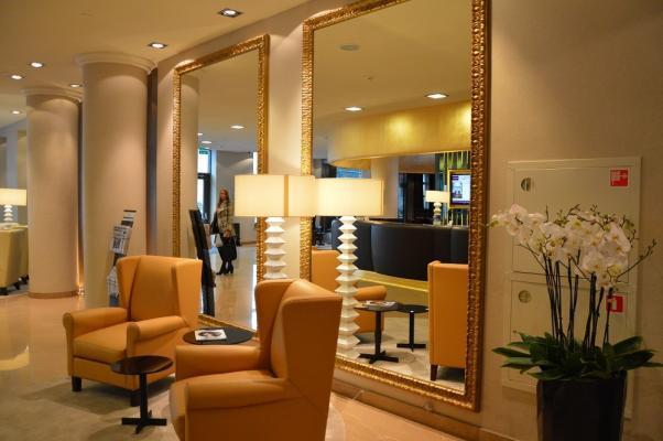 Lobby im Hotel Mercure Moscow Paveletskaya