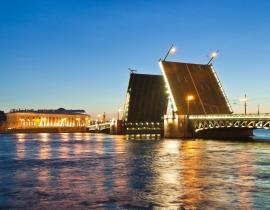 Schlossbrücke über die Newa, St. Petersburg Weiße Nächte