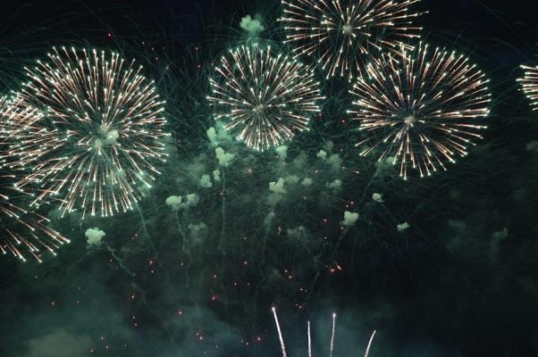 Feuerwerk in St. Petersburg zu Silvester