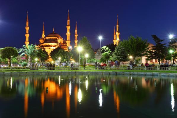 Blaue Moschee with reflection - Istanbul