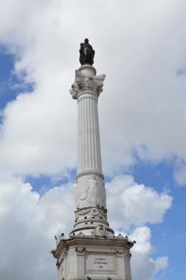 Rossio_Säule auf Platz_Statue Pedro IV