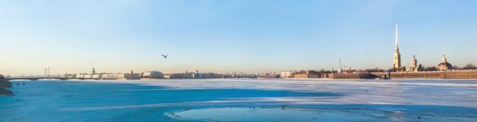 Newa in St. Petersburg im Winter
