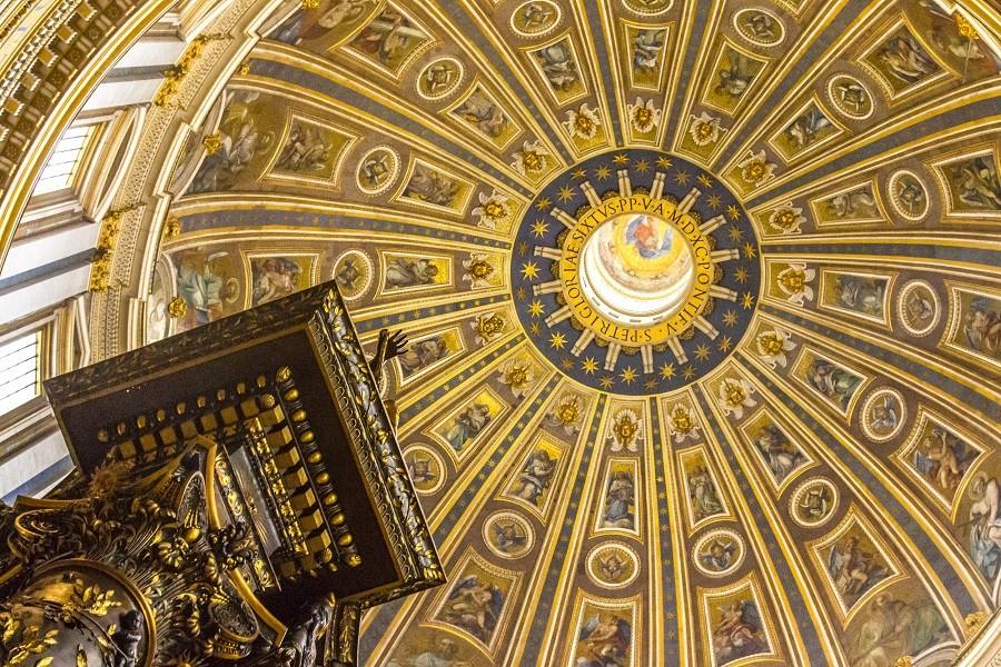 Die Kuppel des Petersdoms - Innenansicht