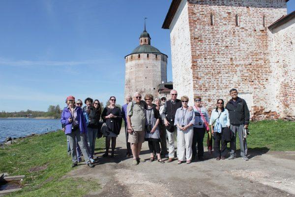Gruppe in Goritzy, Flusskreuzfahrt