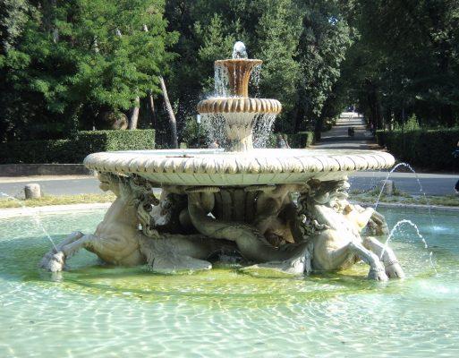 Brunnen im Park der Villa Borghese in Rom