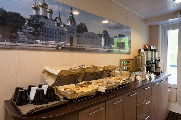 Kaffeebar auf der MS M. Rostropovich, Flusskreuzfahrt
