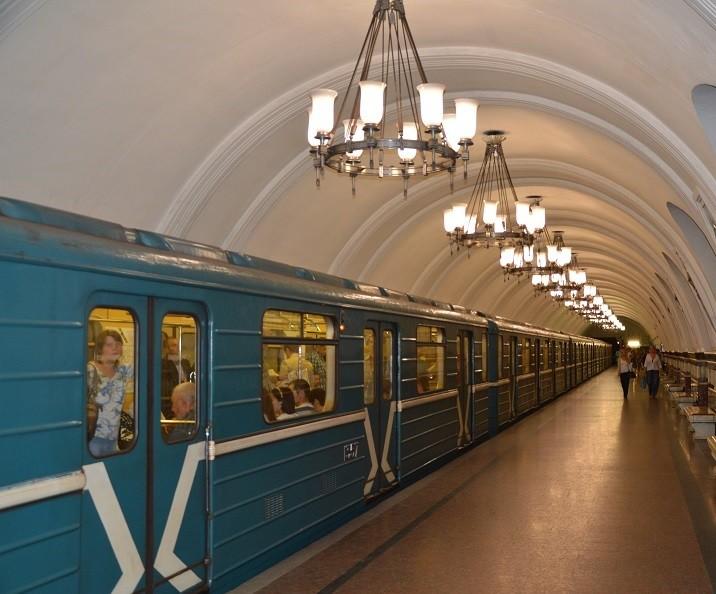 metro in moskau al ex reiseservice. Black Bedroom Furniture Sets. Home Design Ideas