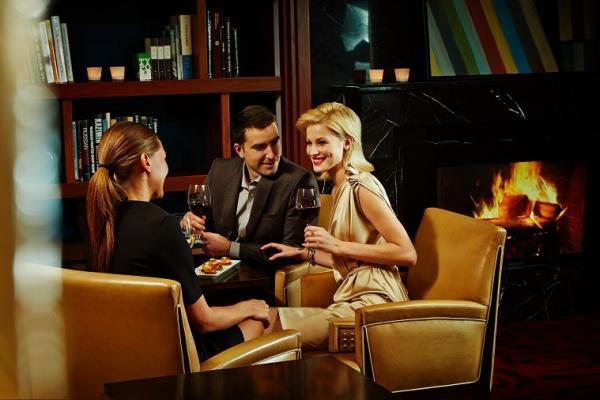 Nevsky Bar im Corinthia Hotel
