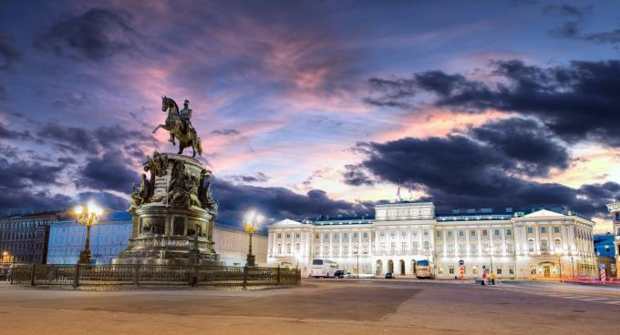 Premium-Reise Weiße Nächte St. Petersburg, Städtereise Petersburg