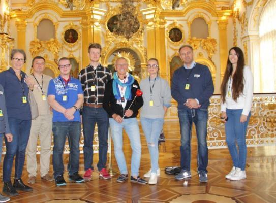 Alex Team mit Reiseleiter Sergej Yakovlev, St. Petersburg