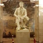 Pushkin Statue in einer Metrostation in St. Petersburg