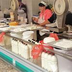 Russische Küche: Milchprodukte am Bauernmart, St. Petersburg