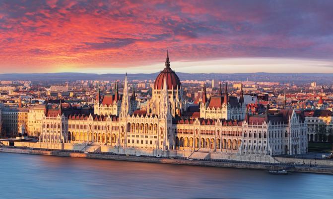 Städtereise Budapest: Blick auf das Parlamentsgebäude