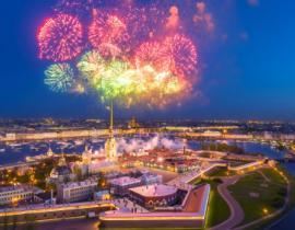 Feuerwerk über der Peter-Paul-Festung, Sankt Petersburg