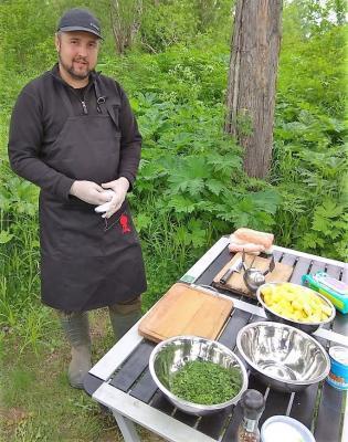 Koch mit Zubehör Aktivreise Kamtschatka