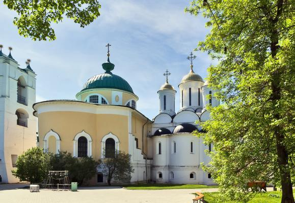 Jaroslawl-Verklärungskloster, Flusskreuzfahrt