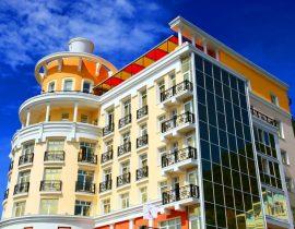 Fassade - Hotel Mayak Listvjanka, Baikalsee